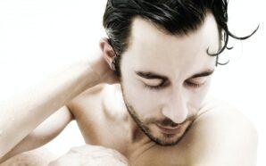 Zalety stosowania wodoodpornego pudru zagęszczającego włosy DermMatch