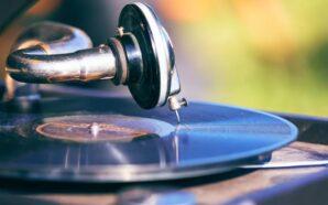 Kiedy powstał pierwszy gramofon z tubą?